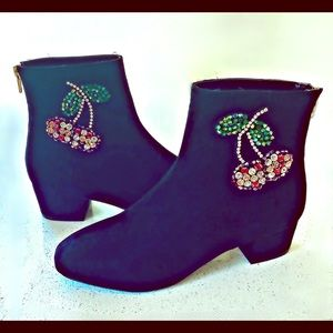 🍒NEW Betsey Johnson Crystal Cherry Boots - Size 7